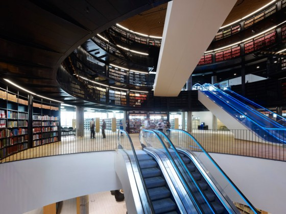 library-of-birmingham-by-mecanoo-biggest-in-europe-designboom06